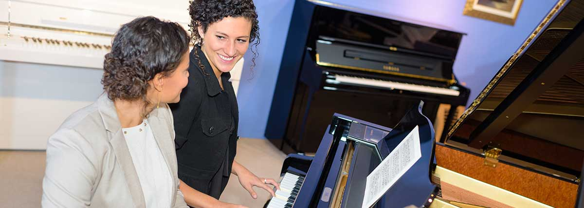 adult piano lesson